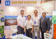 Don Kester and Peter Spaans of Van der Hoeven welcomed Japanese greenhouse entrepreneur Taizo Sano and Shan Halamba of Riococo at their booth. They are working together on a nice project, of which more is to be announced soon.
