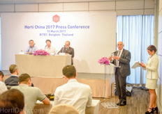 Aalt Dijkhuizen addressed the importance of the growing Chinese horticultural and agricultural industries at the launch event of the Horti China; the new horticultural exhibition that VNU will be organizing from November 22 to 24 in Shanghai.