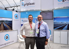 Roland Pereira and Emanuele Garrasi of Agriplat. This Italian greenhouse plastic supplier does already a lot of business in the Midde East, Inia, North America and Spain, where they have a division as well. Mexico is beginning to become a big market for them and they are there decided to exhibit at the show. This is their first year where they are also looking for distributors and agents.