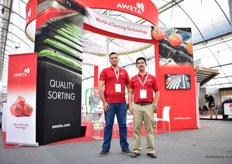 Daniel Madrigal and Carlos Quintana of Aweta, a Dutch company specialized in sorting machines for fruits and vegetables.