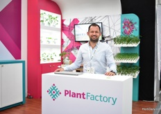 Luis Arturo Garcia of Plant Factory. They supply young plants; grafted tomatoes and sweet peppers, to Mexican high-tech producers. The company was established last year and they only work plants from seeds that are GSPP certified and only work with rock wool.