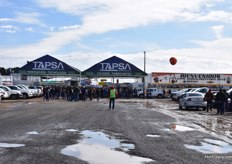 Busy at the entrance of the Expo Agroalimentaria.