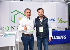 Roberto and his son Robert Felix of Neonatura. They supply growers in iMexico and Central America with all kind of solutions, like fogger systems and greenhouse automation. They were exhibiting at the show for the fist time.