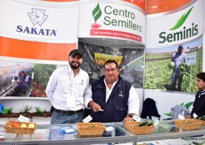 Oswaldo Mendoza Jiminez and Enrique Garcia Ortiz of Centro Semillero distribute Sakata and Seminis products.