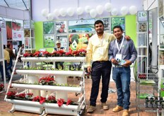 Adrian Flores Conejo and Migualangel Servin of Irrigacion y technologica Mundial presenting their hydroponic prototype.