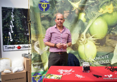 Orlando Mancisidor of TIPO, supplying tomato clips and tomato hooks.