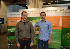 Joan Timmermans and Maikel van de Ven (NovaCropControl) explained about plant sap testing and analysing the crop.