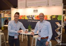 Bart Verheijen and Jan Simons on the photo for BVB Substrates.
