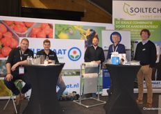 All available at Telermaat: Pati Holland (in the middle) Johan van Tuijl, David Damminga from Soiltech on the right and from Telermaat itself: Fonny Tuijtelaars, Stijn Joghems and Cortian Prosman