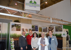 Sven Bttner, Roland Will, Angelina Imprescia, Martine Vos and Pascalle Lahay (Rootbarrier) brought bio covers against weeds to IPM Essen.
