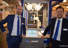 Paul Blom and Raymond van den Berg (ISO Group) in front of the ISO Cutting Planter 2500.