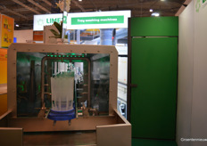 Limex showed their tray washing machine for orchids cask.