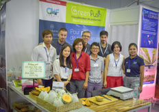 The team with CMF presented its greenhouses unitedly with the Vietnamese growers of O Xanh Farm.