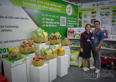 Nguyen Hoc Thi Nguyen Thi Lien with Dalat Hasfarm, presenting their fresh produce flowers and their Bio Pro products: A range of beneficial insects and fungi.