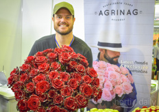Juan Pablo Torres with Agrinag came all the way from Ecuador to show the company's exclusive rose varieties. They turned out to be very popular!