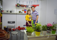 Han Thinh, providing pots for the floricultural industry.