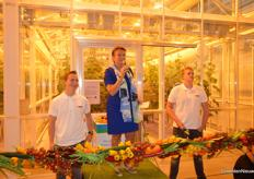 Well, enough with the talks and time to open the greenhouse. Atie de Gier with Lentiz MBO Westland held a short speech.
