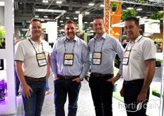 Stephan Alsemgeest, Tyler Rodrigues, Sjors Kuijpers & Nico Niepce. Alweco & Westland Greenhouse Solutions have been partners for many years and offer their knowledge and products in screening technology to the North-American market.