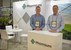 Josh Gauche & Peter Ollevier with Phormium, presenting screening solutions for various crops, climates & wishes.