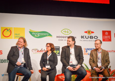 "At noon on the main stage it was time for a panel discussion with four breeding companies, represented by Jörg Werner (Rijk Zwaan), Pilar Checa (Syngenta), Cees Kortekaas (Axia Vegetable Seeds) and Hans Verwegen (Enza Zaden). Among other things, it was about communicating when selling a product. ""We, as breeding companies, can prepare that piece of communication as well as possible, but we are not the party that has to carry it out. This is a task for the retail sector, where we can help."""