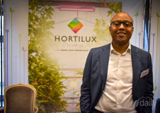 Stefano Hiwat with Hortilux