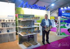 Xavier Renaud with Modiform shows the EcoExpert line of the company