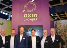 Frans van de Hulst, Marco Toussaint, Ton van Dalen, Jan Leegwater, Peter Stafleu and Cor Noordijk from Oxin Growers. The new name for the merged Best of Four and Van Nature.