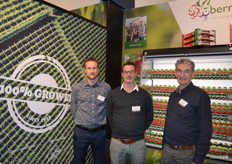Nijs, Gerco and Jan van Zuilen of Berry Brothers. They are 100% red berry growers and specialists in Dutch soft fruit. All packaging is possible. Next season the blueberries will be cut to resist the weather extremes. In 2020, white and black berries will also be available again. From April, red berries from Chile will be available!