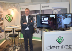 Stefaan Vandaele from Demtec brings the press pots back to the attention of the visitors.