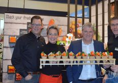 At the end of day 2 not a meter of beer but a meter of healthy snack vegetables at Greenco that, as Robert Ketelarij told us, is working on valuable collaborations with new concepts. In the photo from left to right Jos van Mil, Monique Adegeest, Robert Ketelarij and Richard de Jong.