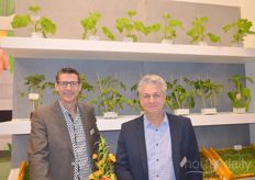 Frank Vriends and Rob Valke with Beekenkamp Plants. They show the growing possibilities in fruit- and outdoor crops.