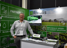 Guy Boyd with Rivulis