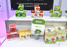 Creative concepts for home gardening, commercials & small plant farms by Omicsis.