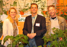 Vera and Johan Grootscholten from Globe Plant together with consultant Pierre Grootscholten