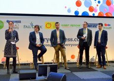 (From left to right); Maura Maxwell (EuroFruit), Sergio Sainz (Cuna de Platero), Fernando Zaforas (FNM), Oliver Huesmann (Fruit Consulting) and Emilio Fuertes (Planasa)