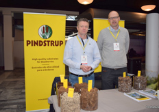 Sven Erik Lanng and Feico van der Schaaf at the Pindstrup stand.