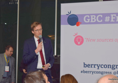 Steven Oosterloo from Flevo Berry during his presentation at the FreshIdeas stage; Strawberries-Breeding for the Future.