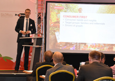 Wim van den Berg (Prominent) talking on putting the consumer first